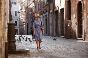 Julia roberts nel centro storico di Forcella in una scena di mangia, prega e ama